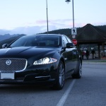 2011-jaguar-xj-lights-on