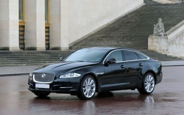 2011-Jaguar-XJ-Luxury-Car