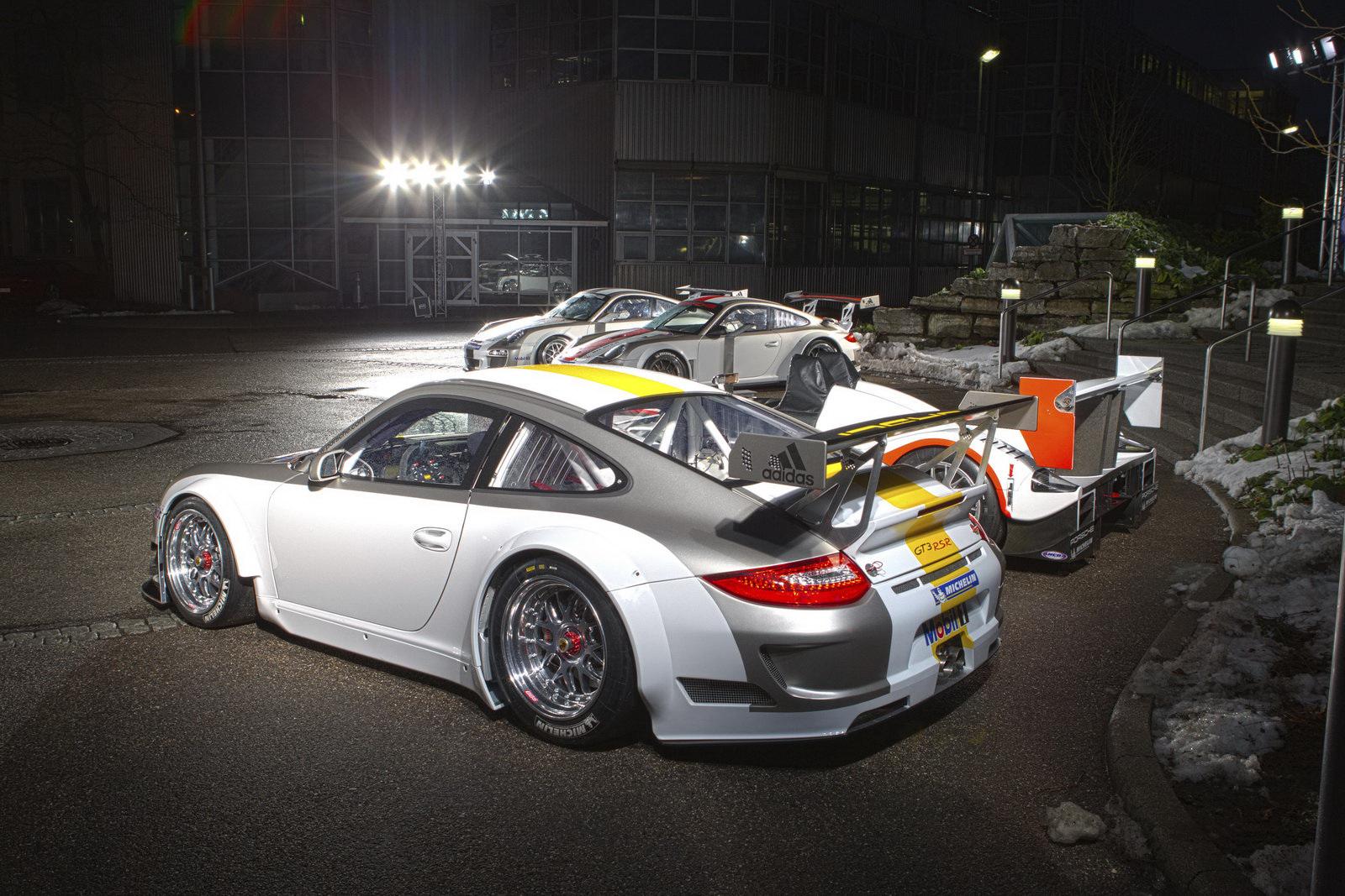 Porsche Launches The 2011 Gt3 Rsr Evo Race Car