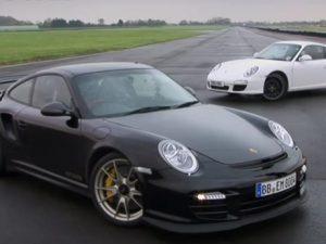 Porsche-Carrera-vs-911-GT2-RS