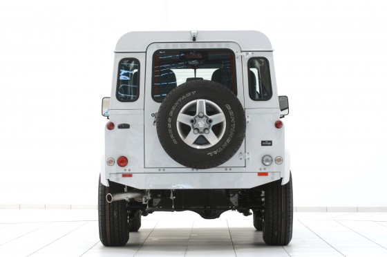 Startech-Land-Rover-Defender-Yachting-Back
