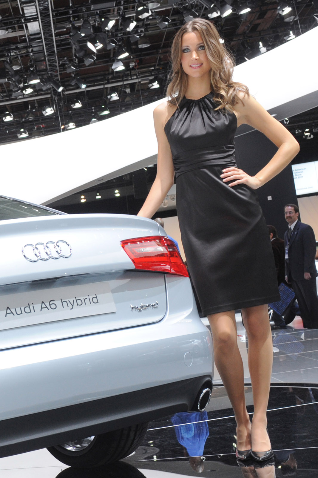 Hot Girls Of The 2011 Detroit Auto Show-6461