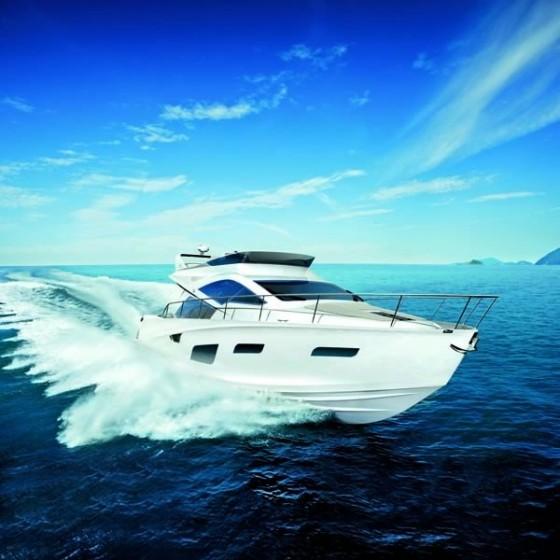 Luxury-Yacht-Intermarine