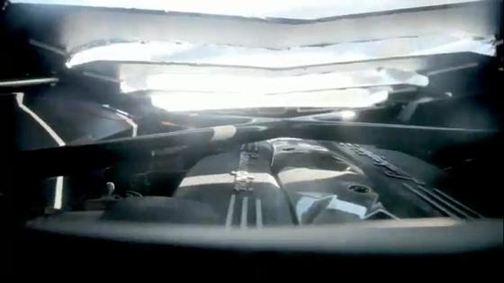 Lamborghini-Aventador-LP700-Interior-Engine-Picture