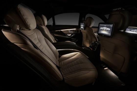 2014 Mercedes-Benz S-Class interior rear